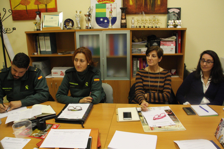 Puesta en marcha de las Mesas de Coordinación Policial para la Protección y Seguimiento de las Víctimas de Violencia de Género en las localidades de Puebla de la Calzada y Torremayor